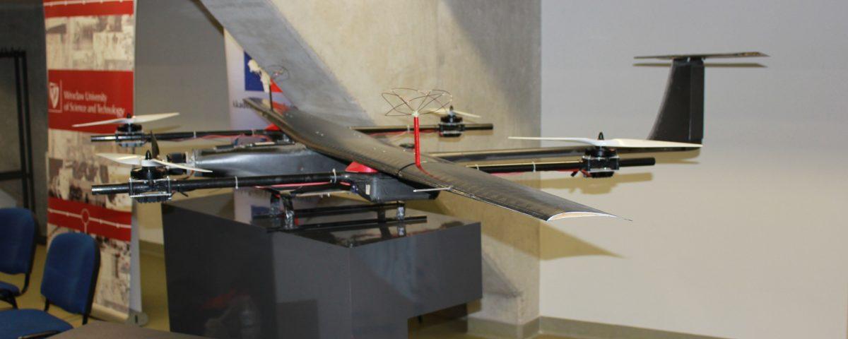 Targi DroneTech, efektowny dron z Wrocławia